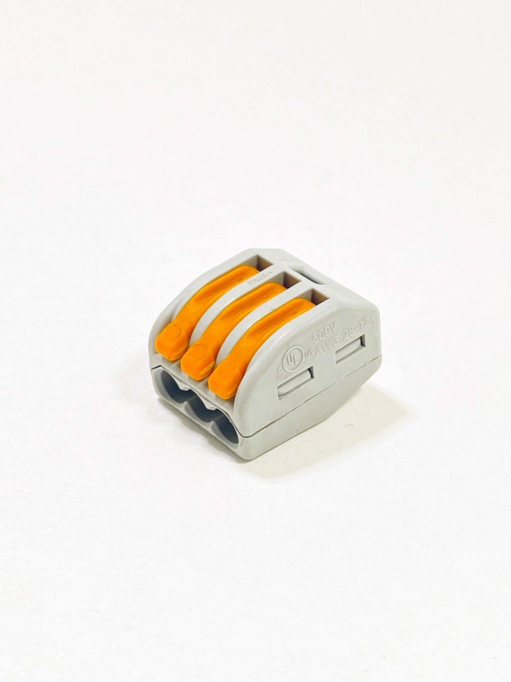 Клеммник EKF 3-й (0,2-4мм) флажковый